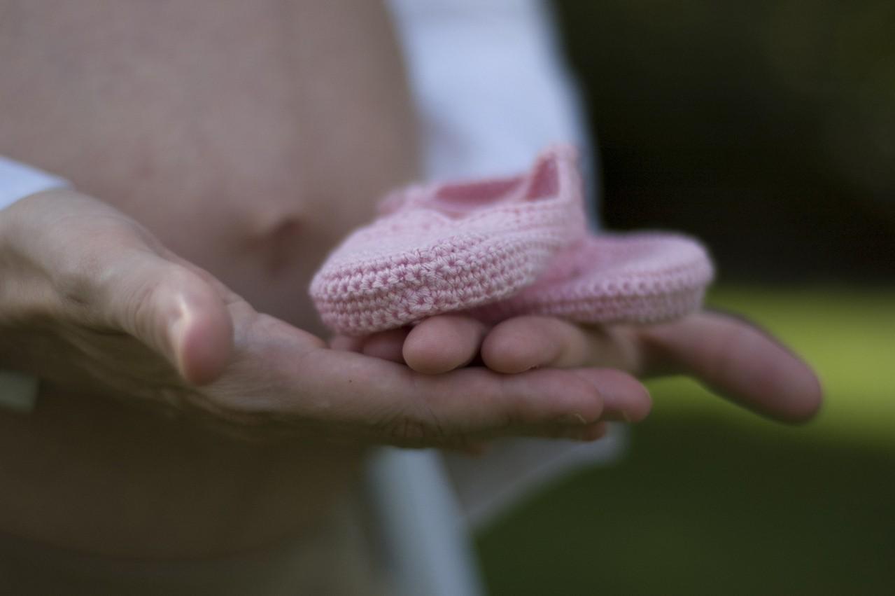 Czy warto inwestować w ubrania ciążowe?