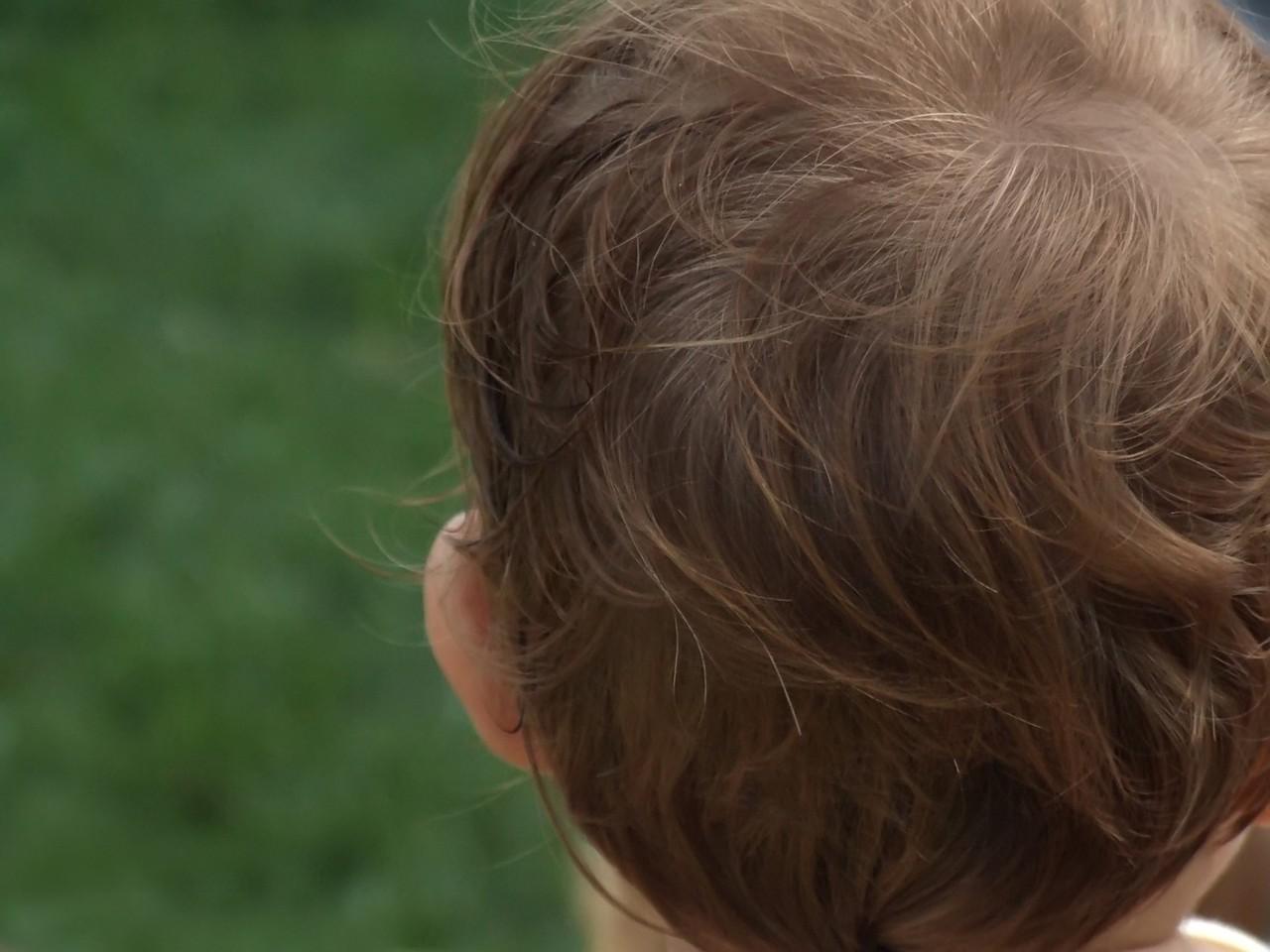 Mycie włosów niemowlaka