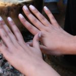 Zmywanie i usuwanie manicure hybrydowego